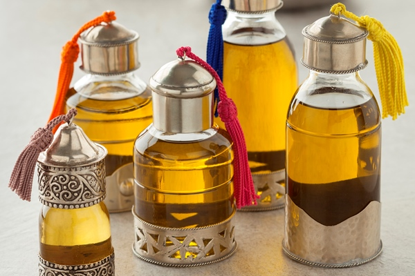 Pure raw Argan oil has a golden color.