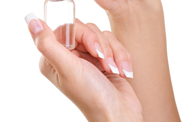 Know how to properly apply Argan oil on nails.