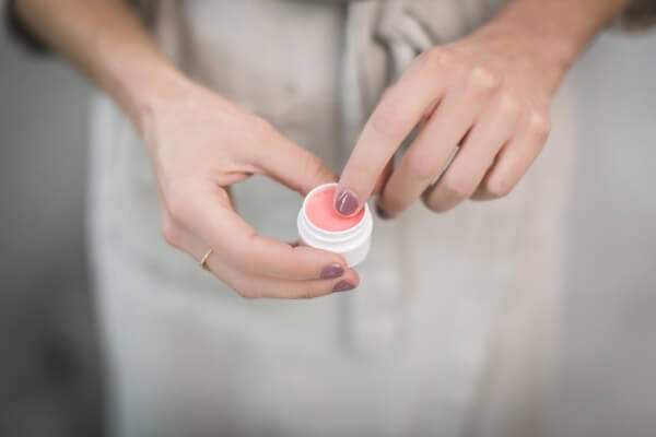 Argan oil cuticle cream recipe for healthier and stronger nails.